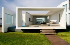 Dreaming of someplace WARM! Beach House in Las Arenas, Peru #dreamhouseoftheday via Architizer