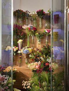 Интерьер цветочного магазина. Интерьер этой торговой площади реализован студией U-Style