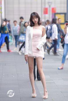 Beautiful Young Lady, Beautiful Legs, Beautiful Women, Satin Skirt, Girly Outfits, Skirt Fashion, Asian Beauty, Asian Girl, Mini Skirts