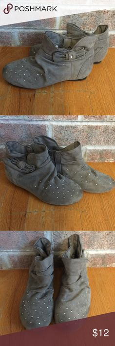 Girls Gray slouchy booties with bow Please feel free to ask any questions or make an offer, and as always THANK YOU for shopping my posh closet! Xoxo -Tish BONGO Shoes