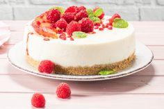 Lahodný koláč, ktorý by mala skúsiť pripraviť každá z nás. Recept na ovocný cheesecake Cheesecakes, Sweet Recipes, Food, Coffee, Kaffee, Essen, Cheesecake, Cup Of Coffee, Meals