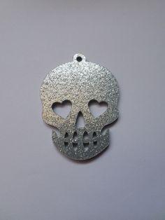 1 x laser cut acrylic pendant 50mm skull gold glitter 1 x laser cut acrylic pendant 50mm skull silver glitter mozeypictures Choice Image
