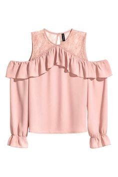 Blouse in an airy weave with a round neck and wide flounce at the top, cut-out sections on the shoulders and long sleeves with elastication and a flounce at Girl Fashion, Fashion Dresses, Fashion Design, Casual Outfits, Cute Outfits, Pink Long Sleeve Tops, Mode Hijab, Bollywood Fashion, Clothes