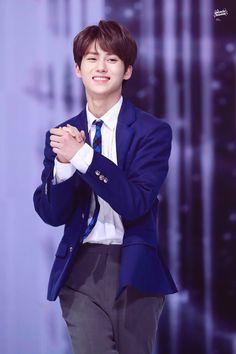 HWANG YUNSEONG ー please build more confidence, yunseong! was in hwangyunseong! I Hate Boys, Korea Boy, Boy Idols, Attractive Guys, Woollim Entertainment, Tiny Dancer, Korean Language, Produce 101, Seong