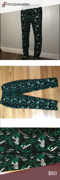 J. Crew floral jogger pants J. Crew floral jogger pants. Super cute, and in like-new condition. No damages. Very comfy and fashionable. Size 6 J. Crew Pants Trousers