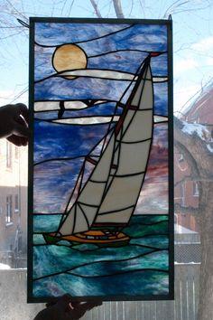 verre, voilier vitrail à la main, fenêtre, window, stained glass sailboat artist Chantal Théroux
