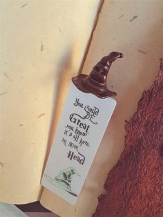 Bookmark Sorting Hat perfect page markers for Gryffindor lovers, handmade bookmarks, back to school with Harry Potter, Harry bookmark Harry Potter Bookmark, Harry Potter Cosplay, Harry Potter Decor, Homemade Bookmarks, How To Make Bookmarks, Paper Bookmarks, Bookmark Craft, Cute Polymer Clay, Page Marker