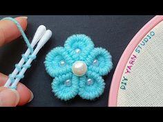 Crochet Leaf Patterns, Crochet Amigurumi Free Patterns, Baby Knitting Patterns, Sewing Patterns Free, Crochet Stitches, Burlap Flowers, Diy Flowers, Crochet Flowers, Woolen Flower