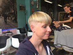 Lady Barber // short cut // Mudly's Barbershop & Hairsalon