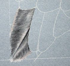Colored pencil feather P5190015