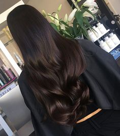 Hair colour ideas for brunettes – My hair and beauty Wavy Hair, Dyed Hair, Long Dark Hair, Brunette Hair, Pretty Hairstyles, African Hairstyles, Vintage Hairstyles, Hair Day, Gorgeous Hair