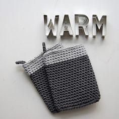 Haak by Daphne: Ovenwanten Crochet Home Decor, Diy Crochet, Crochet Potholders, Easy Crochet Patterns, Chrochet, Crochet Clothes, Bunt, Pot Holders, Knitting