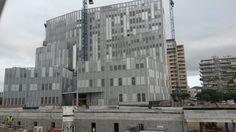 Vista frontal de l'edifici A (EUETIB)