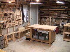 Et dire que j'avais quasi le même atelier, sauf que mon établi était encore plus grand... Vivement que je puisse m'en refaire un!