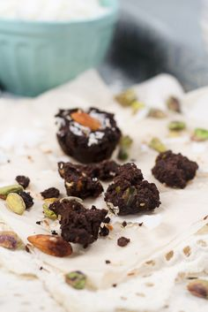 , these super cute and decadent little brownie wannabe fudgy bites ...