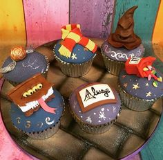 Harry Potter Cupcakes Source by nayaksanchez Harry Potter Cupcakes, Harry Potter Theme Cake, Harry Potter Desserts, Harry Potter Parts, Gateau Harry Potter, Harry Potter Thema, Cumpleaños Harry Potter, Harry Potter Birthday Cake, Harry Potter Backen