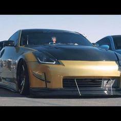 Had to steal this pic from @ivyfilms vid🤤 #zociety#z_owners#350znation#350znation_dt#z33#type#zero#side#blades#front#splitter#carbon#hood#carbon#black#and#yellow#mean#wait#on#it#more#to#come#standardgang#cooled#by#mishimoto