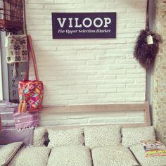 Nuestro sofá en Alameda 22. Segundo día de #DecorAccion2013 y el doble de felices :) #madrid #decoraccion #spain #moda #feria #popupstore