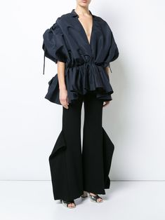 Leal Daccarett V-neck exaggerated blouse Outfit Night, Night Outfits, Love Fashion, Womens Fashion, Fashion Design, Delpozo, Trousers Women, Blouse Designs, Balloon