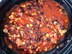 Here's a quick, homemade meal that I know your family will love: slow cooker turkey black bean chili. You can throw it together in the morning or freeze it for… Slow Cooker Freezer Meals, Freezer Cooking, Crock Pot Cooking, Slow Cooker Recipes, Cooking Recipes, Crockpot Meals, Easy Cooking, Black Bean Chili, No Bean Chili
