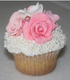 Shabby Chic Wedding Cupcakes   By Morgann Hill Designs