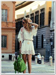http://www.uglytruthofv.com/2012/06/18/hippy-lace-dress/