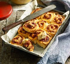 Ham and pineapple pizza scrolls