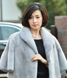 Pin by chan hksz on 人像摄影 Japanese Beauty, Asian Beauty, Japan Model, Fur Coat, Singer, Actresses, Actors, Female, Elegant