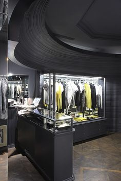Paolo Pecora flagship store by studioliquido, Milan