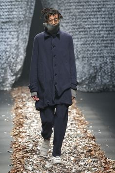 See the complete Discovered Tokyo Fall 2017 collection. Tokyo Fashion, High Fashion, Mens Fashion, Winter 2017, Fall Winter, Autumn 2017, Fashion Show Collection, Festival Fashion, Nike Jacket