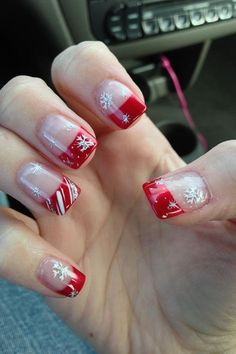What manicure for what kind of nails? - My Nails Cute Christmas Nails, Xmas Nails, Holiday Nails, Simple Christmas, Dark Christmas, Valentine Nails, Christmas Makeup, Christmas Stickers, Christmas Snowflakes