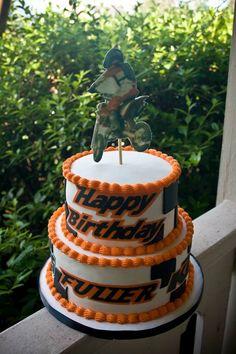 Motorcross cake Motorcross Cake, Dirt Bike Cakes, 11th Birthday, Birthday Ideas, Las Vegas, Religious Cakes, Cake Decorating, Summer Decorating, Edible Cake