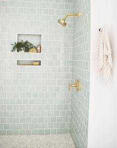 32 Small Bathroom Design Ideas for Every Taste - The Trending House Bathroom Spa, Bathroom Renos, Bathroom Interior, Bathroom Ideas, Accent Tile Bathroom, Spa Bathroom Design, Small Bathroom Inspiration, Relaxing Bathroom, Rental Bathroom