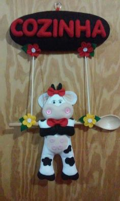 1 million+ Stunning Free Images to Use Anywhere Felt Crafts Diy, Paper Crafts, Arts And Crafts, Kitchen Hot Pads, Doll Shoe Patterns, Cow Kitchen, Felt Wreath, Cow Pattern, Free To Use Images