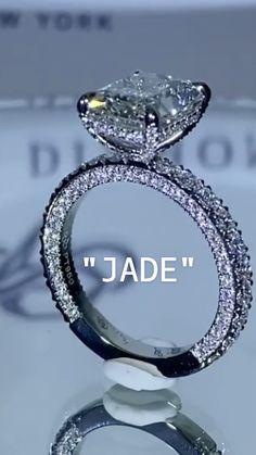 Handmade Engagement Rings, Beautiful Engagement Rings, Halo Engagement Rings, Vintage Engagement Rings, Beautiful Rings, Big Jewelry, Gems Jewelry, Wedding Jewelry, Jewelery