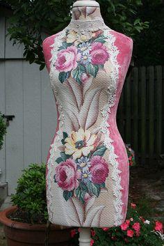 Glencourt Roses Dress Form
