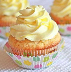 Lemon cupcakes.    www.lemondropsfoodie.blogspot.com  Repinned by Amy Marie Shadle