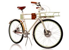 Kickstarting: IDEO's Ultra-Elegant, Retro-Cool Electric Bike Innovation By Design It may be charged with a state-of-the art lithium battery, but Faraday Porteur looks like your grandfather's Schwinn. Cool Bicycles, Vintage Bicycles, Cool Bikes, Microcar, Tricycle, Bike Motor, Velo Retro, Velo Cargo, Electric Utility