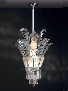Art Deco Chandelier I've always loved Art Deco Style, thanks to my Pa. - Art Deco Chandelier I've always loved Art Deco Style, thanks to my Pa. Estilo Art Deco, Arte Art Deco, Art Deco Chandelier, Art Deco Lighting, Lighting Stores, Glass Chandelier, Art Deco Pendant Light, Silver Chandelier, Chandelier Lighting