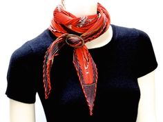 Plissé scarf in Basic Slide Knot (scarf wrapped once around neck beforehand) Ways To Wear A Scarf, How To Wear Scarves, Scarf Knots, Scarf Rings, Beauty Forever, Scarf Design, Scarf Hairstyles, Neck Scarves, Scarf Styles