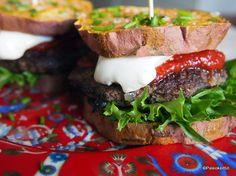 bataatti-burger majoneesilla