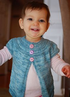 Ravelry: in threes: a baby cardigan pattern by Kelly Herdrich.  Looks similar to the 5-hour sweater pattern