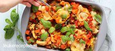 Een heerlijke Italiaanse ovenschotel vol met groenten, een beetje pit en romige gesmolten mozzarella.