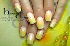 Iridescent sparkling UV Gel fingernails with Flux Pigments effects! http://www.vw-e.de/magische-farbenspiele.html