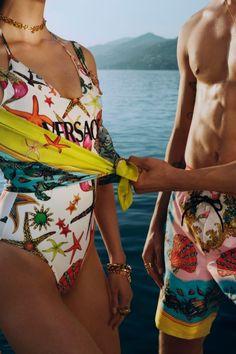 VERSACE LA VACANZA SUMMER 2021 BEACHWEAR CAMPAIGN FILM #Versace #versacelavacanza #beachwear #swimwear Donatella Versace, Gianni Versace, Img Models, Mini S, Beach Wear, International Fashion, Swimsuits, Swimwear, Fashion Photo