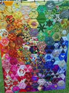 Sane, Crazy, Crumby Quilting: Blogger's Quilt Festival - A Hand Quilted Rainbow