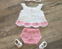 Sombrero del ganchillo bebé niña mariposa & por TJsCrochetCreations