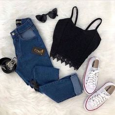 I love any jean outfits! Shopping link in bio or go to www.splendora… I love any jean outfits! Shopping link in bio or go to www. ❤️More makeup posts Ella Gustafsson. Teenage Outfits, Teen Fashion Outfits, Look Fashion, Outfits For Teens, Trendy Outfits, Trendy Fashion, Fall Outfits, Womens Fashion, Short Outfits
