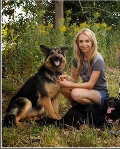 Amber marshall and her dogs Remi and China Heartland Actors, Watch Heartland, Heartland Quotes, Heartland Tv Show, Amber Marshall, Country Girl Life, Country Girls, Heartland Ranch, Show Horses