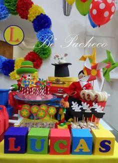 O Lucas adora os palhaços Patati e Patatá, por isso, este foi o tema escolhido para comemorar seus 2 anos.  Festa super alegre e cheia de co... Clown Party, Circus Carnival Party, Carnival Birthday Parties, Carnival Themes, Circus Birthday, First Birthday Parties, First Birthdays, Thomas The Train Birthday Party, Lego Themed Party